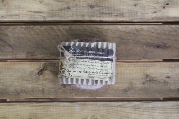 Savon exfoliant en laine d'alpagas - Lavande-Bergamote-Géranium